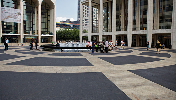 /ext/resources/August2011/SW0811Slideshow-LincolnCenter01.jpg