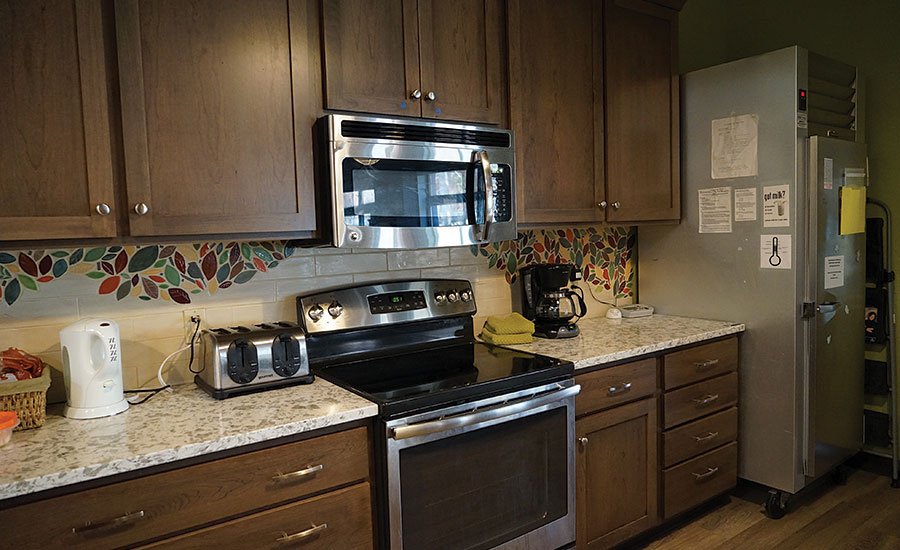 kitchen design center madison local companies in wi came together to improve a 265