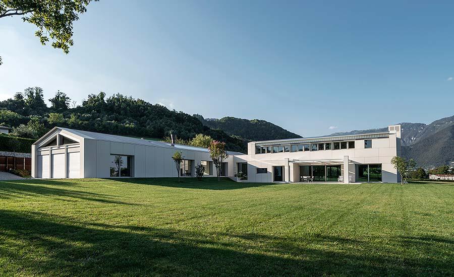 Lapitec takes center stage in Italian villa design