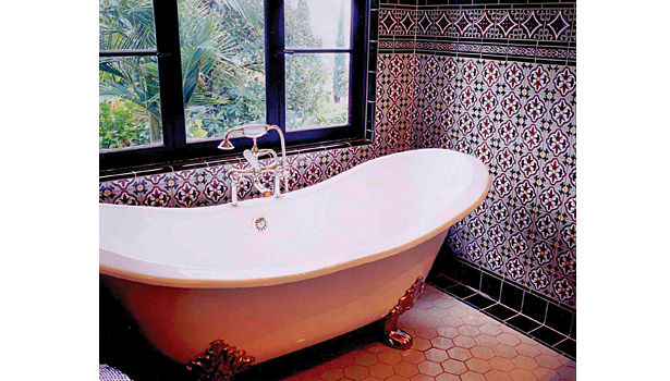 Draco Rosa master bathroom