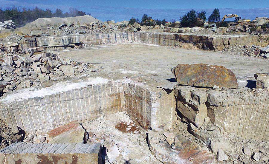 Sandstone quarry of Russell Stone Products, Inc.