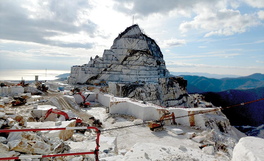 Alpi Apuane Mountains and the Carrara marble quarries