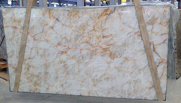 Lucent quartzite