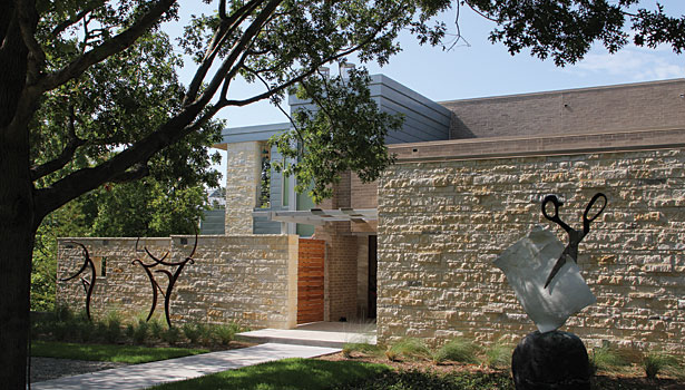 Limestone Complements High Tech Residential Design 2013