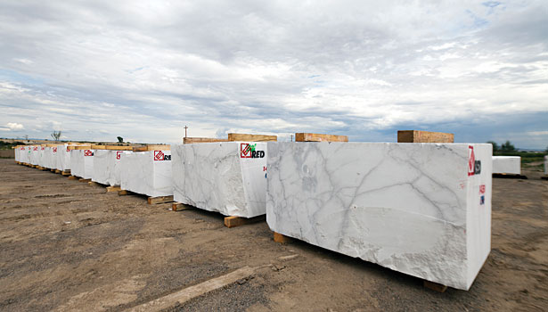 Colorado Stone Slabs : A diamond in the rough r e d graniti